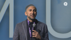 Speaking through Service – Rami Nashashibi | Confident Muslim