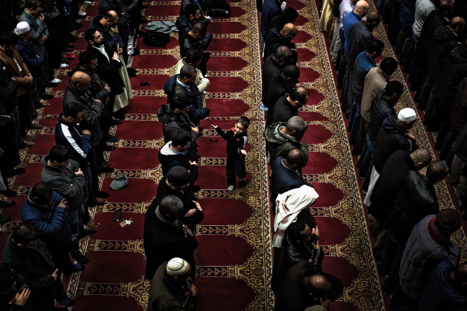 "Washington Post: ""Mosques cancel Friday prayers as leaders face a dilemma of whether to close"""